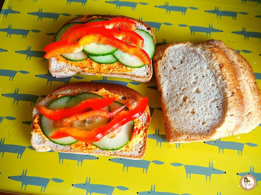hummus sandwiches